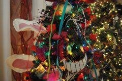 25 Alice in Christmas Wonderland c
