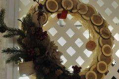 42 Country Christmas Wreath b